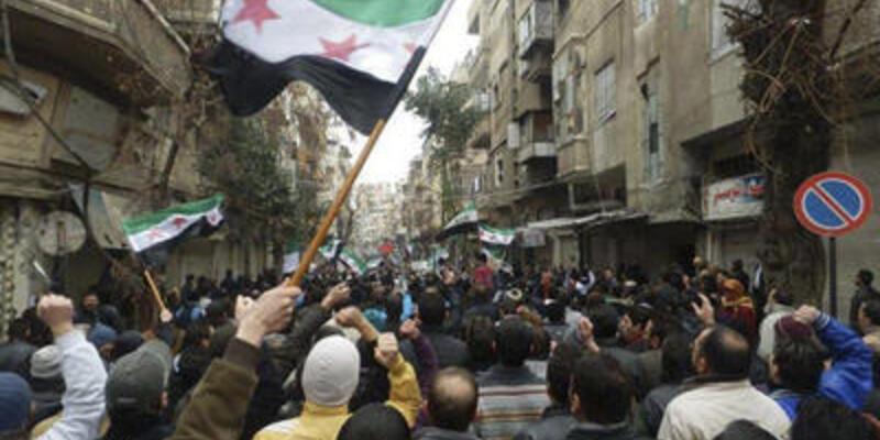 Arap Birliği gözlemcilerine tepki yağıyor