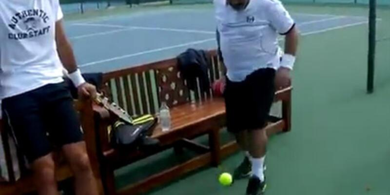 Maradona tenis topu sektirdi!