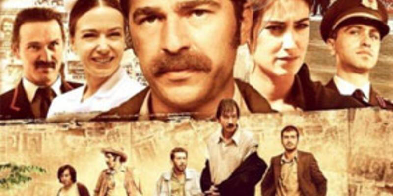 Tarihi Emek Sineması önünde film galası