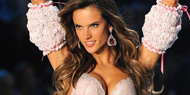 Victoria's Secret meleği 2. kez hamile