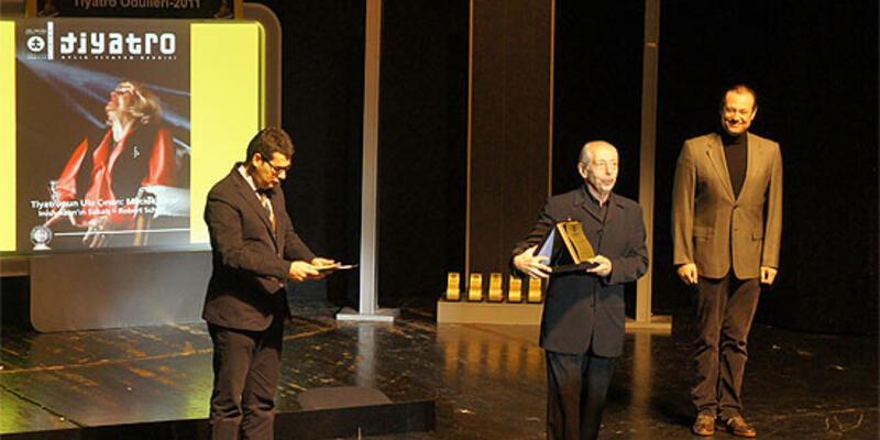 """""""Tiyatro Ödülleri 2011"""" sahiplerini buldu"""