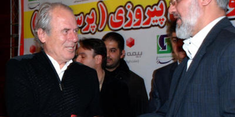 Mustafa Denizli antrenmana çıktı