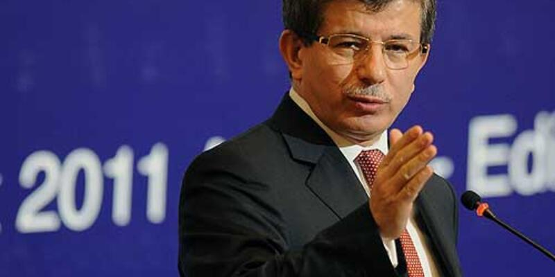 Davutoğlu'ndan Sarkozy'e yanıt