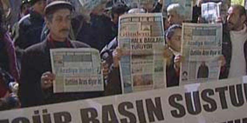 Gözaltındaki gazetecilere destek yürüyüşü