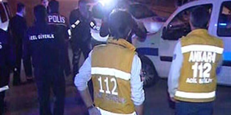 Hırsızlar dur ihtarında bulunan polise çarptı