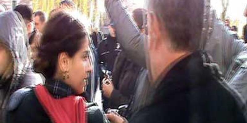 Kızını eylemciler arasından aldı