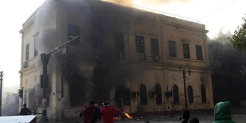 Mısır'daki olaylar futbol yüzünden çıkmış