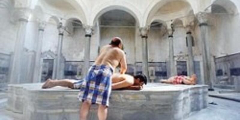 Erkek erkeğe yıkanmak yasak!