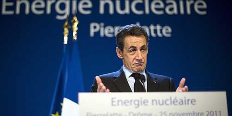 """Sarkozy: """"Başımızın çaresine bakarız"""""""