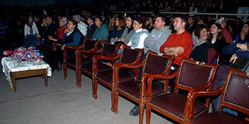 Kars'ta Kürtçe şarkı krizi