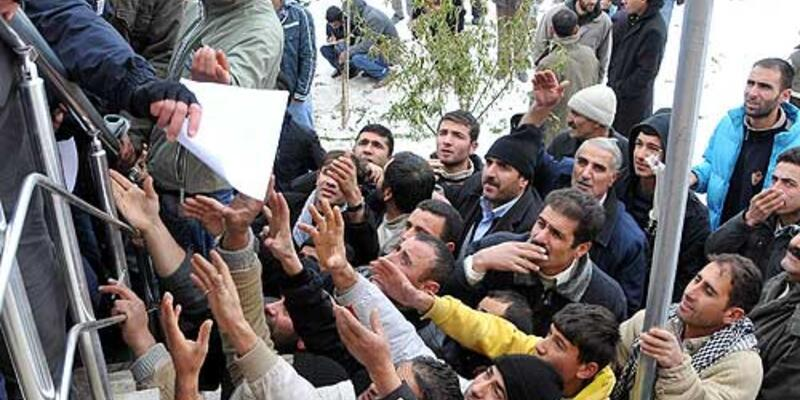 Van depremi mağdurlarına maaş
