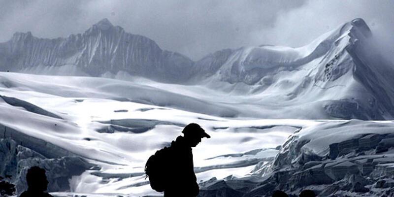 Himalayalar'ın ak saçları dökülüyor!