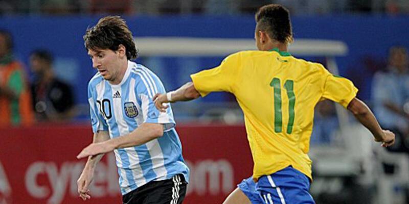 Pele Neymar ile Messi'yi kararlaştırdı