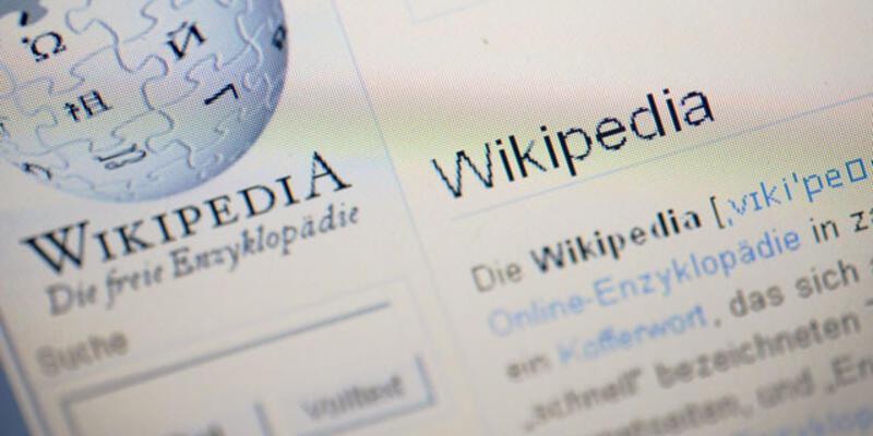 Wikipedia İtalya'dan protesto