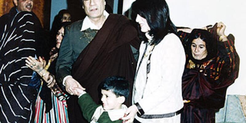 Kaddafi'nin ailesi Cezayir'de ortaya çıktı