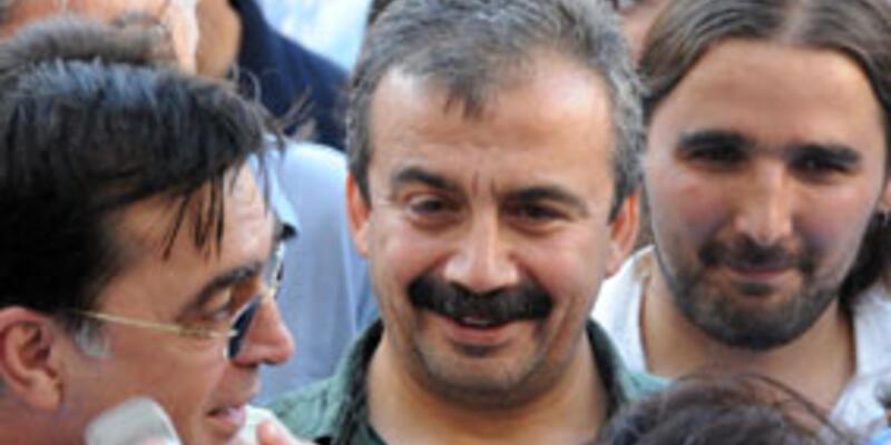"""Sırrı Süreyya Önder: """"Avanta gezi harcırahı mı istemişim?"""""""