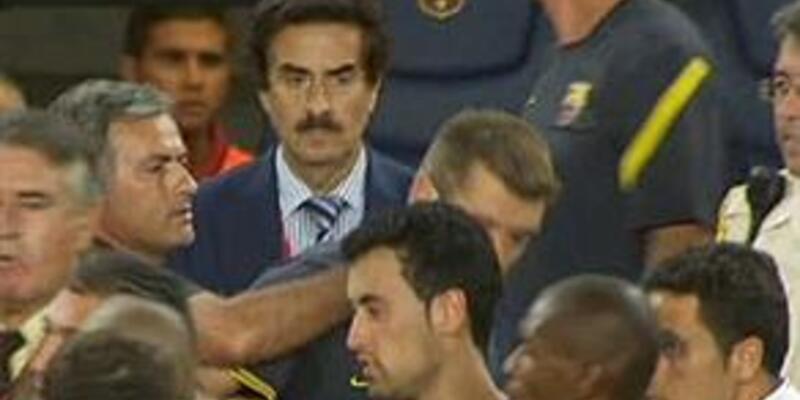 Mourinho'ya 12 maç ceza geliyor