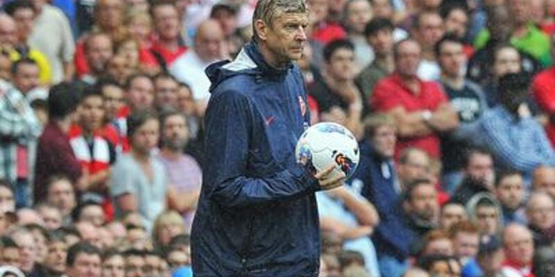 Wenger'e 2 maç ceza
