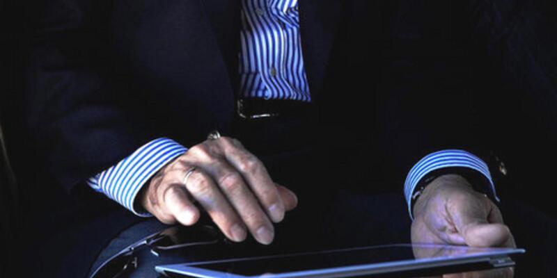"""""""Bir elinde tespih bir elinde iPad"""""""