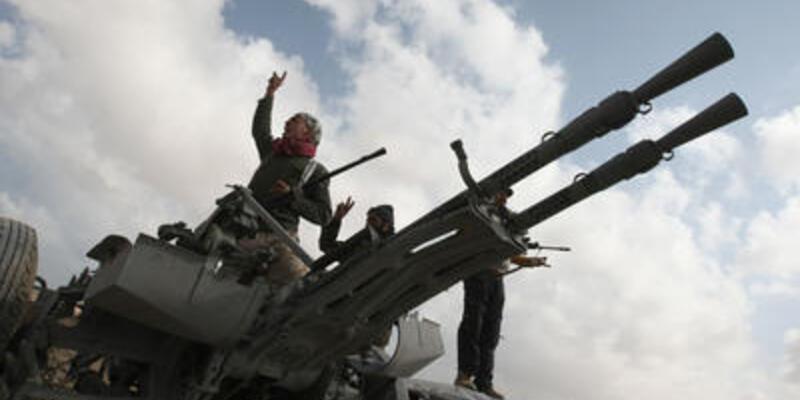 Libya'da savaş Brega'da yoğunlaştı