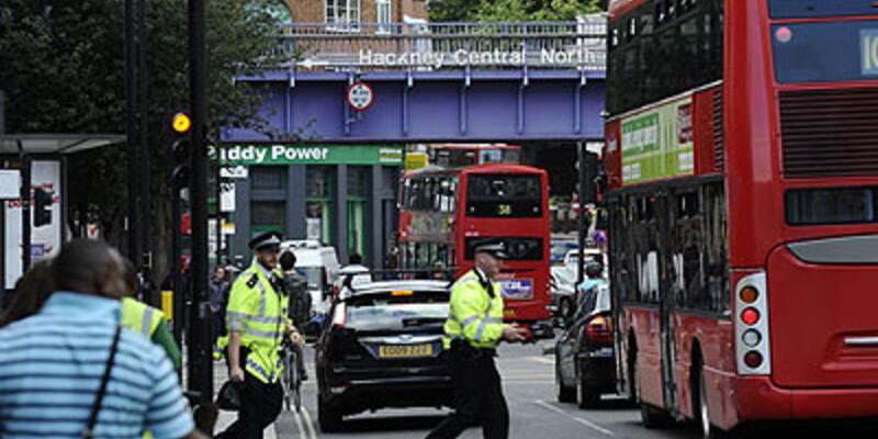 Londra yaralarını sarıyor