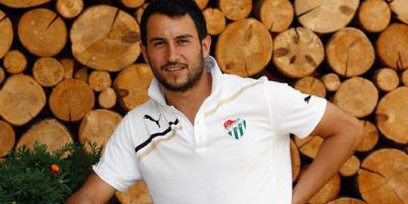 Ozan İpek 4 yıl daha Bursasporlu