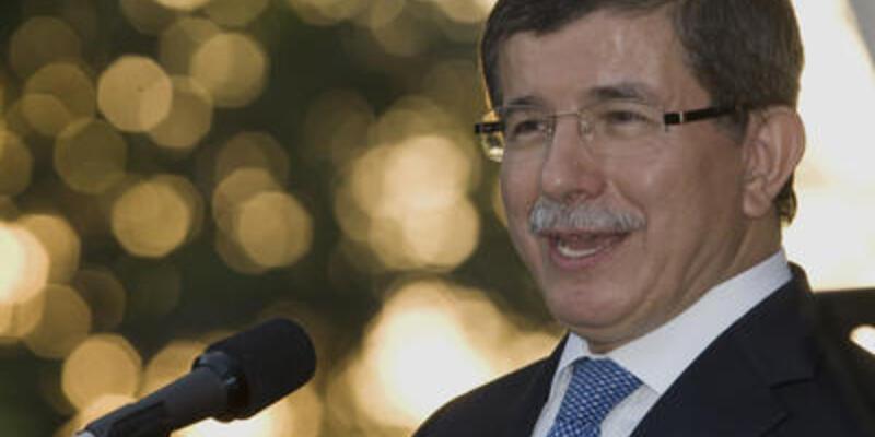 Davutoğlu'nun Suriye trafiği sürüyor