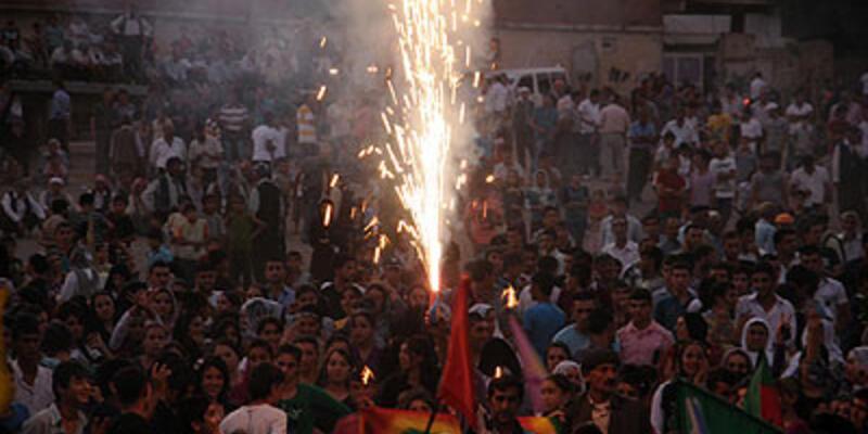 Cizre'de polise molotoflu saldırı
