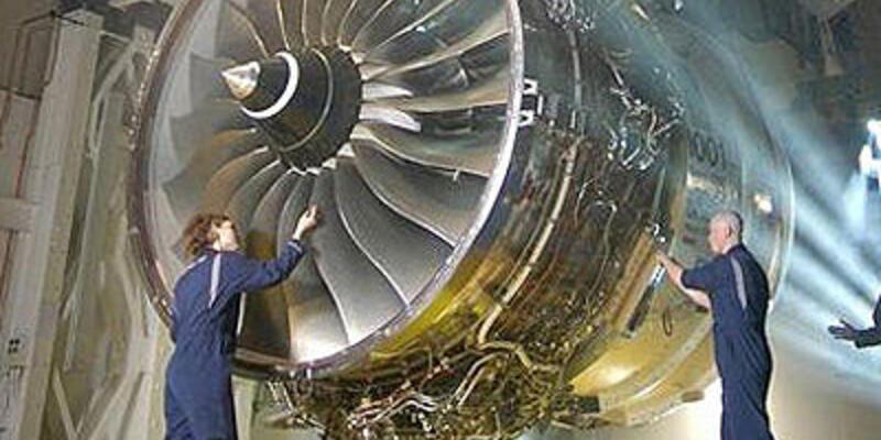 Feci ölüm: Uçak motoruna kaçtı!