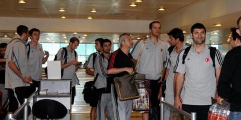 12 Dev Adam İstanbul'da kampa girdi