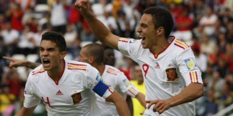 İspanya 4 golle başladı