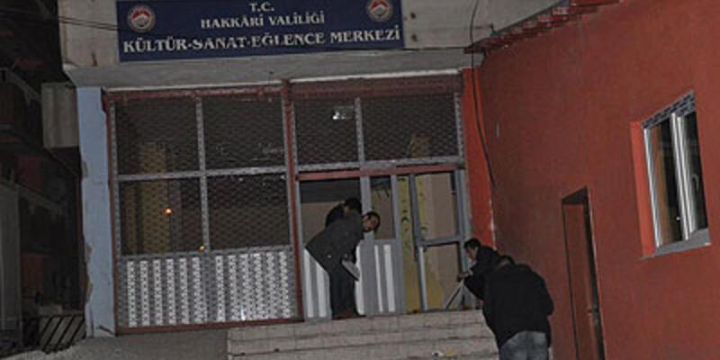 Hakkari'de kültür merkezinde patlama