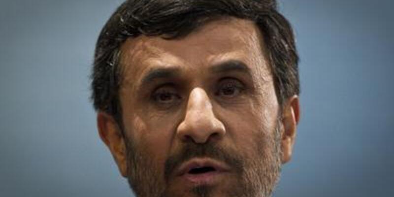 """Ahmedinejad: """"Baba-oğul gibiyiz"""""""