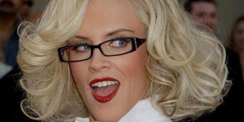 Gözlüklü ünlüler kervanı