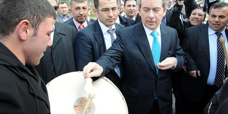 Şener Sivas'ta seçim çalışmalarını anlattı