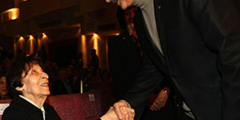 Kılıçdaroğlu rock konserinde stres attı