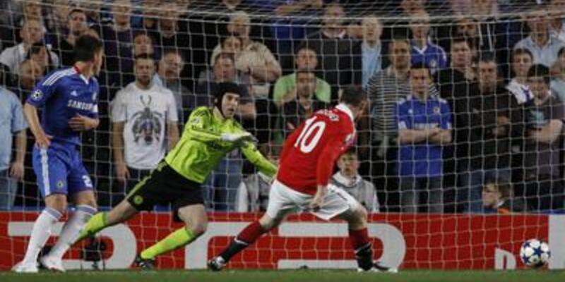 Rooney'nin golü ManU'ya avantaj getirdi