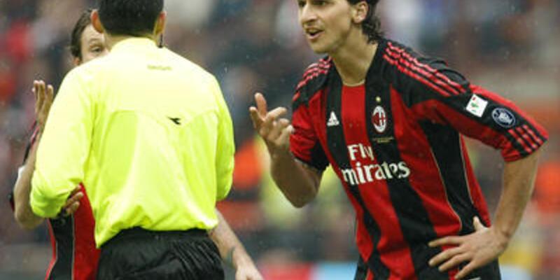 Yumruk atan İbrahimoviç'e üç maç
