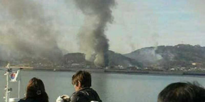 Kuzey Kore Güney Kore'ye ait adaya saldırdı