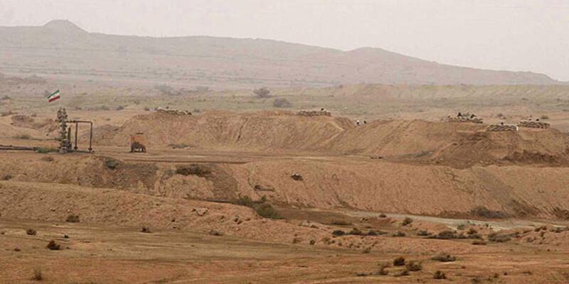 İranlı askerler petrol kuyusundan kısmen çekildi