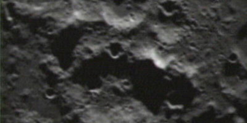 """NASA, Ay'ı """"bombaladı"""""""
