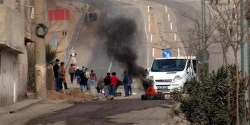 İzinsiz gösterilere polis müdahalesi