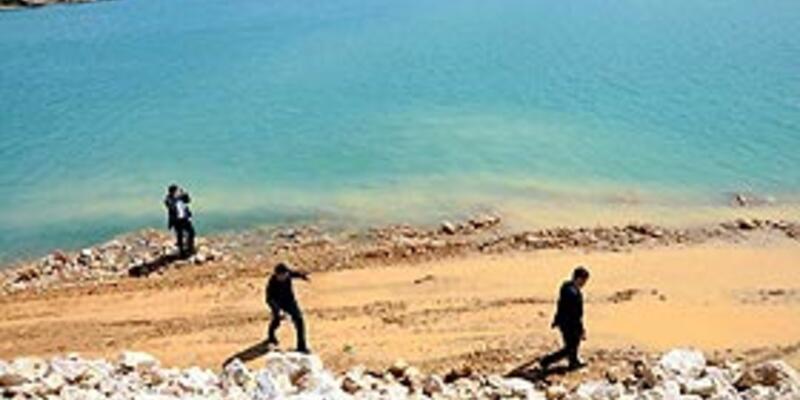 Tatil köyü yapmak için denizi doldurdular