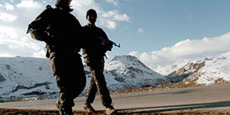 Türk askerleri Irak'a girdi