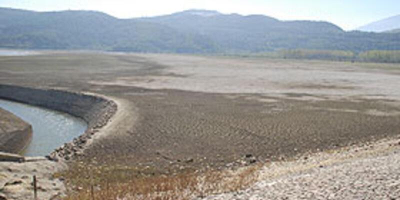 Yağışlar az etki etti, tasarrufa devam