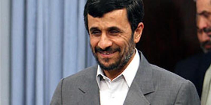 """İran beklenilen """"nükleer"""" belgeleri verdi"""