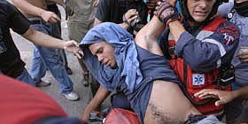 Venezuela'da 80 bin kişi Chavez'i protesto etti