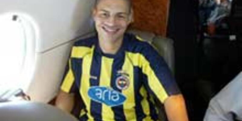 Fenerbahçe'de Alex'e imza töreni