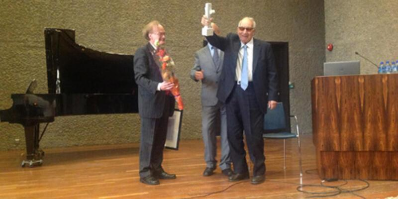 Yaşar Kemal'e yurtdışından yeni bir ödül