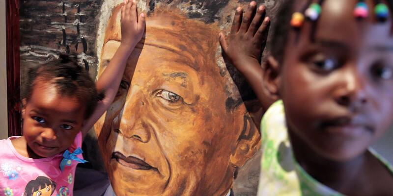 """""""Mandela Müzesi"""" ziyaretçi akınına uğruyor"""